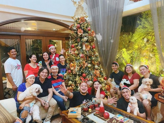 Angel Locsin and family(Photo credit: @therealangellocsin Instagram)