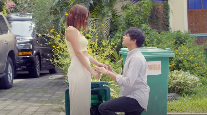 Daniel Padilla and Kathryn Bernardo get engaged in 'The House Arrest of Us'