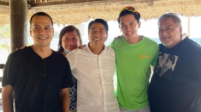 Malou Santos, Willie Revillame, and Frontrow mogul Sam Verzosa to produce John Lloyd Cruz movie comeback?
