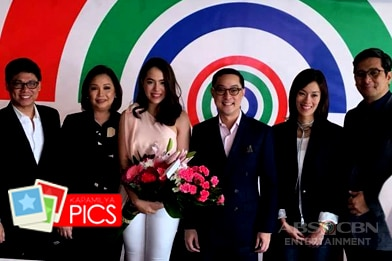 PHOTOS: Julia signs an exclusive contract with ABS-CBN