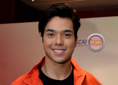 Does Elmo Magalona feel threatened by Joshua Garcia?