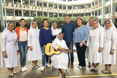 2017 Summer SID PHOTOS: The Voice Teens Coaches jam with Sister Rocker Gloria Agagon