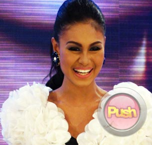 Venus Raj declines Willie Revillames offer, signs up with ABS-CBN