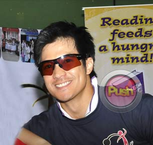 Diether Ocampo shares what he learned from working with Robin Padilla in 'Guns & Roses'