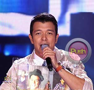 Jericho Rosales feels vindicated after receiving a platinum award for his album