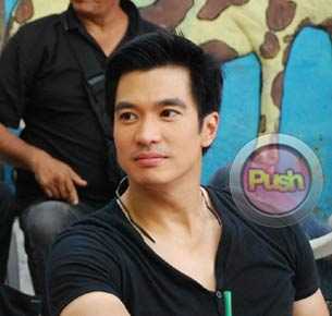 Diether Ocampo doesn't want to use Kris Aquino's presidential connection