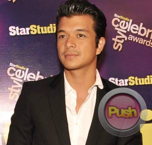 Jericho Rosales says Anne Curtis is the perfect onscreen partner