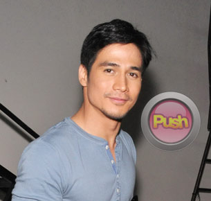 Piolo Pascual shares his photographs to help raise money for scholarships