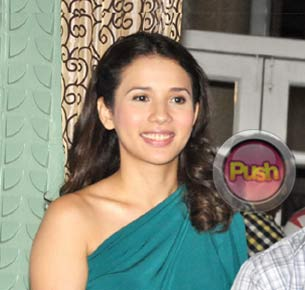 Karylle says she admires the singing voice of her sister Zia Quizon