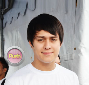 Enrique Gil reacts to fan criticisms about his team-up with Julia Barretto