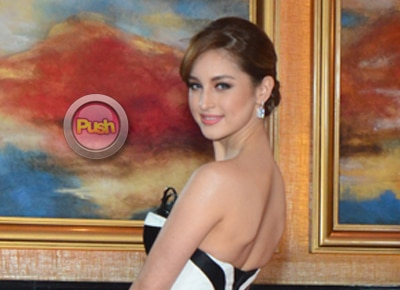Coleen Garcia returns to 'It's Showtime'; thanks people supporting Billy Crawford