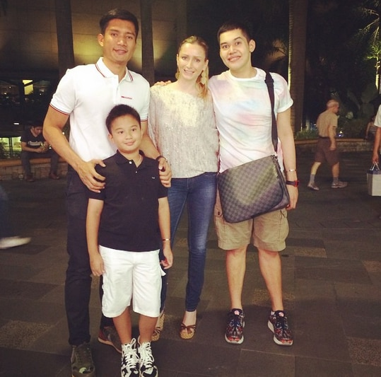James Yap happy to spend pizza night with Michela, Josh & Bimby