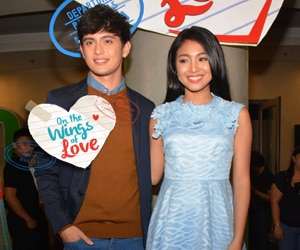 WATCH: JaDine fans todo ang suporta sa advance screening ng On The Wings of Love