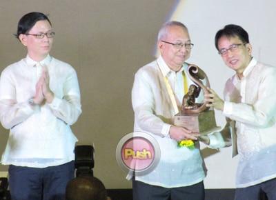 Ricky Lee receives prestigious UP Gawad Plaridel award