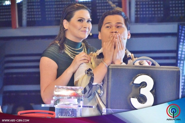 23 Aiko and Ogie on Deal or No Deal.jpg