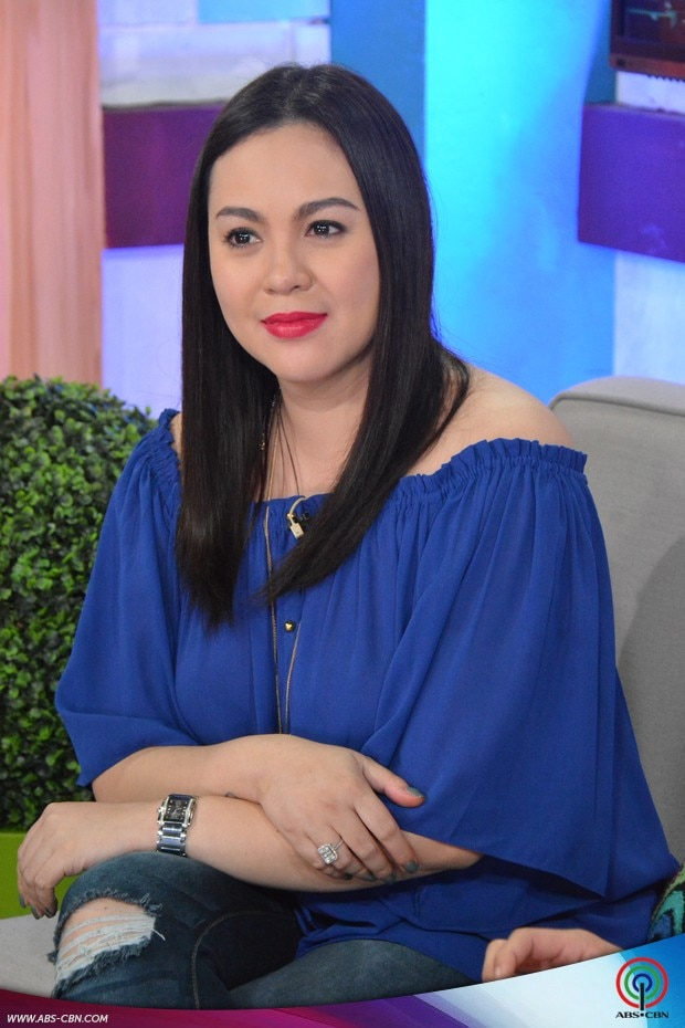 19 PBB 737 Online Chat with Claudine Barretto.jpg