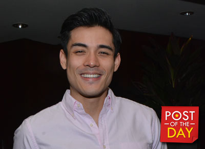 Ouch! Xian Lim steps on a sea urchin
