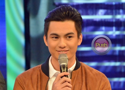Anjo Damiles asks Julia Montes for her number on Gandang Gabi Vice
