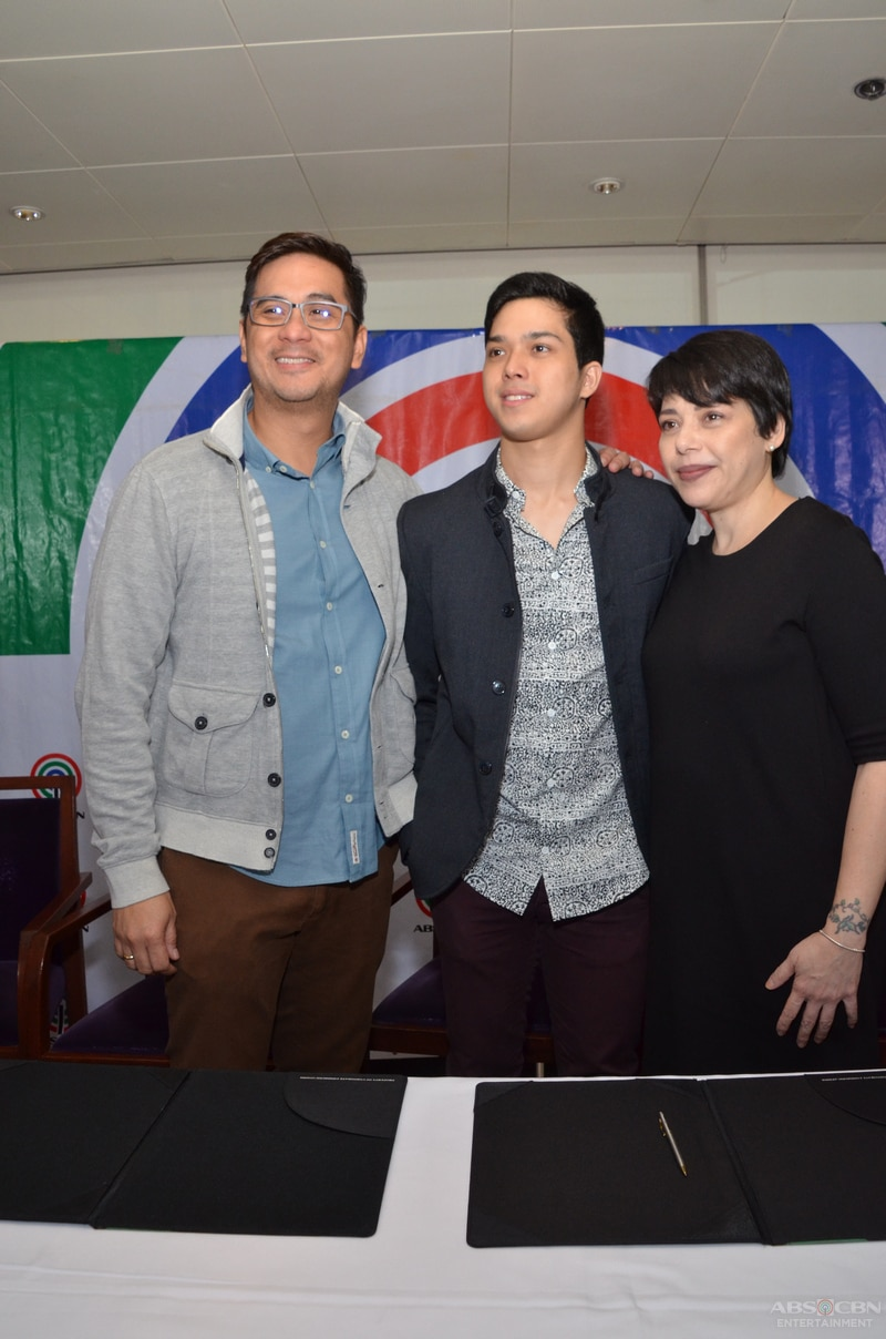 16-Elmo-Magalona-contract-signing.jpg
