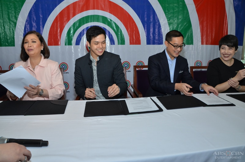 5-Elmo-Magalona-contract-signing.jpg