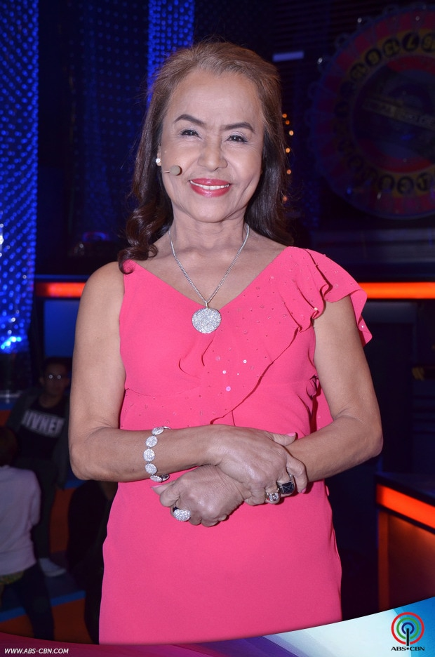2-PHOTOS-Pacmom-Dionisia-Pacquiao-on-Kapamilya-Deal-or-No-Deal.jpg