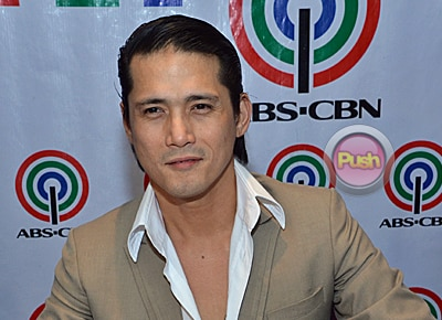 Robin Padilla comments on Angel Locsin's health problems