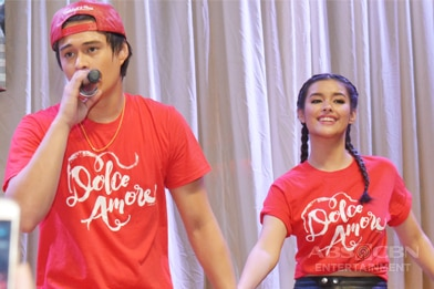Liza and Enrique serenade fans at the Dolce Amore Grand Fans Date