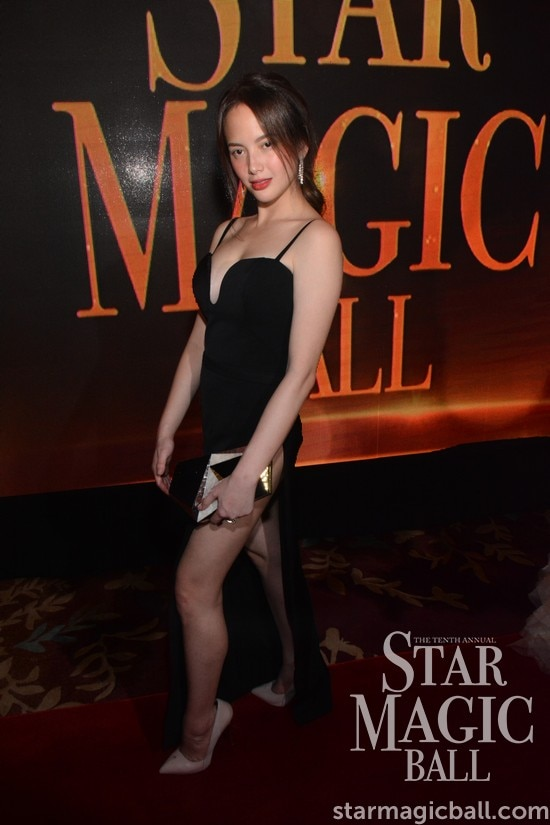 StyleStalker:  Which celebrity wore the gown with the highest slit at the Star Magic Ball 2016?