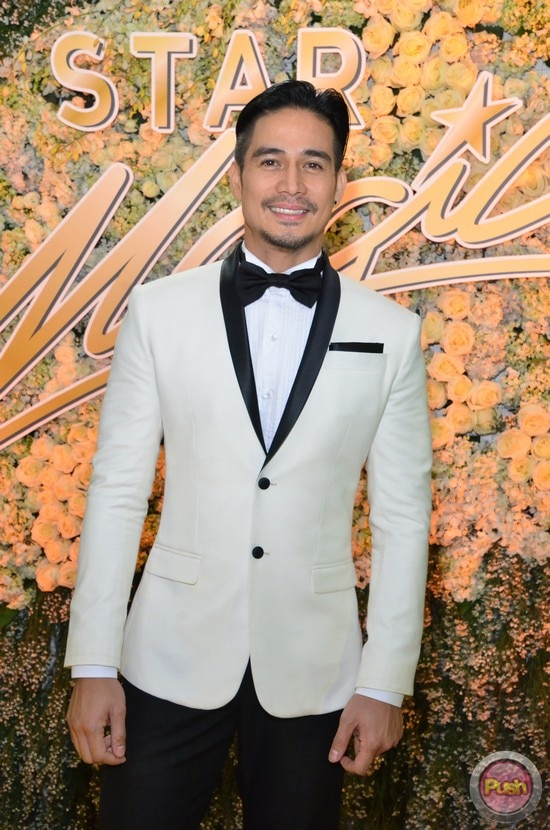 Stylestalker: Black and White Fashion at the Star Magic Ball