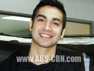 Carlos Agassi is proud to be a kontrabida on Agua Bendita