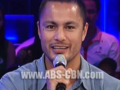 Derek Ramsay says he is still very much in love with Angelica Panganiban