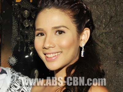 Karylle says she's single and happy