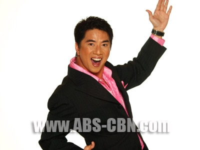 Willie Revillame officially declares that he will not run for any position in 2010 elections