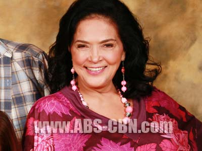 Gina Pareno happy to be reunited with her Tayong Dalawa co-stars in Kung Tayo'y Magkakalayo