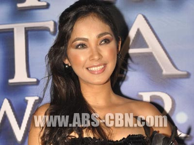 'Pinoy Big Brother' ex-housemate Cathy Remperas denies being kicked out by her boyfriend