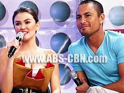 Derek Ramsay is excited to go on a vacation with Angelica Panganiban