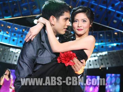 Kim Chiu and Gerald Anderson top ABS-CBN.com's poll for the hottest love team for 2009
