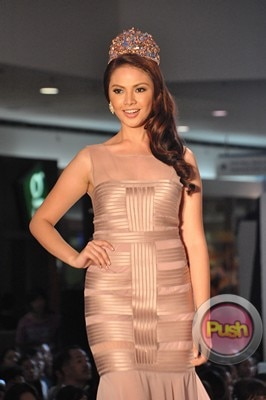 Ms Earth 2012 at the Philippine Fashion Week_00006-340