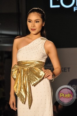 Ms Earth 2012 at the Philippine Fashion Week_00014-340