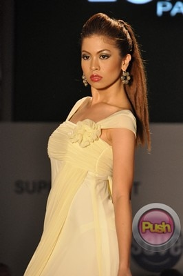 Ms Earth 2012 at the Philippine Fashion Week_00026-340