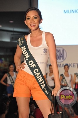 Ms Earth 2012 at the Philippine Fashion Week_00131-340