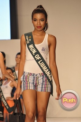 Ms Earth 2012 at the Philippine Fashion Week_00146-340