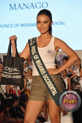 Ms Earth 2012 at the Philippine Fashion Week_00151-340