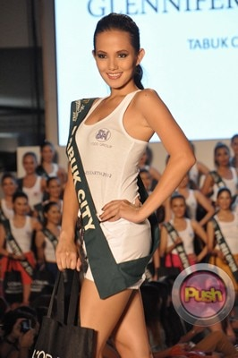 Ms Earth 2012 at the Philippine Fashion Week_00164-340