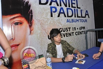 Daniel Padilla Album Mall Tour and Autograph signing_00001-408