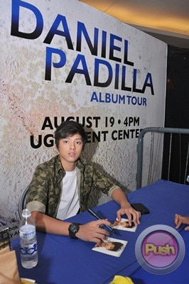 Daniel Padilla Album Mall Tour and Autograph signing_00002-408