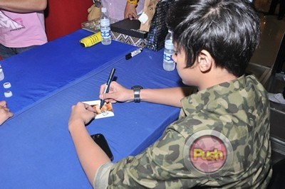 Daniel Padilla Album Mall Tour and Autograph signing_00009-408