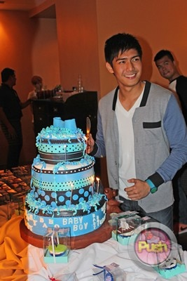 EXCLUSIVE A surprise birthday bash for Robi Domingo_00030-454