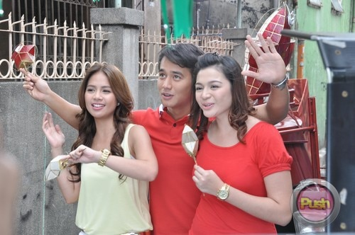 ABS-CBN Christmas Station ID 2012 (Part 1)_00120-471