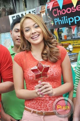 ABS-CBN Christmas Station ID 2012 (Part 1)_00128-471